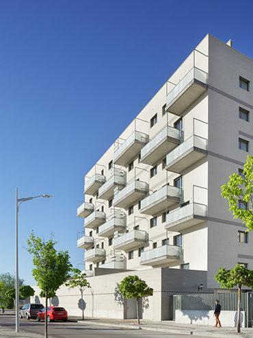 Edificio de 45 viviendas VPO en Albacete <br> 45 Social housing in Albacete