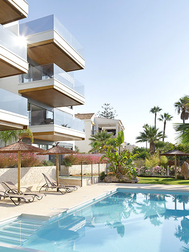 Edificio de viviendas frente al mar en Santa Pola<br> Apartment Indico Beachfront Condominium in Santa Pola