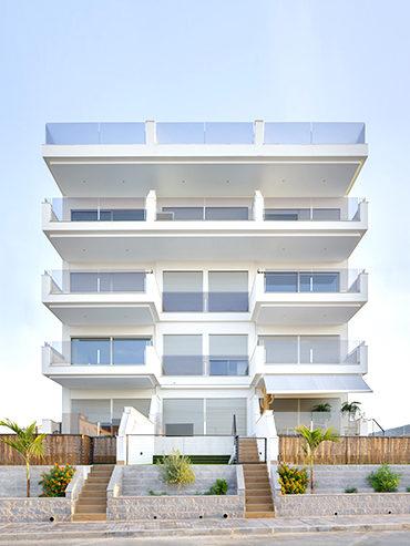 Edificio de Apartamentos Esmeralda en Santa Pola<br> Esmeralda Apartments in Santa Pola